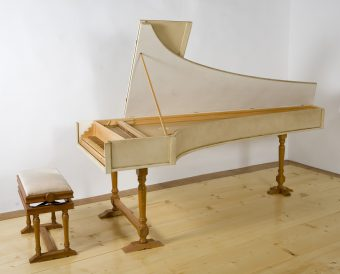 Clavecin_Dominique_Laperle_Albens_2000_dapres_Carlo_Grimaldi_Messine_1697_1701_bis